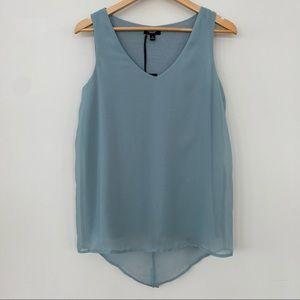 Vera Wang v-neck sleeveless top